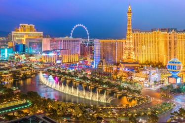 2018 SGIA Vegas Ikonics Imaging